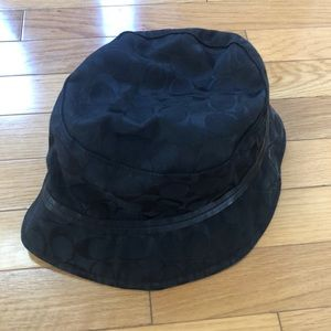 Black signature Coach bucket hat